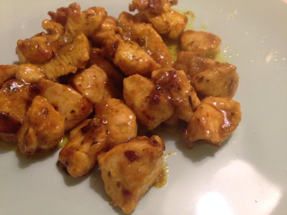 Pollo al curry a mi manera.