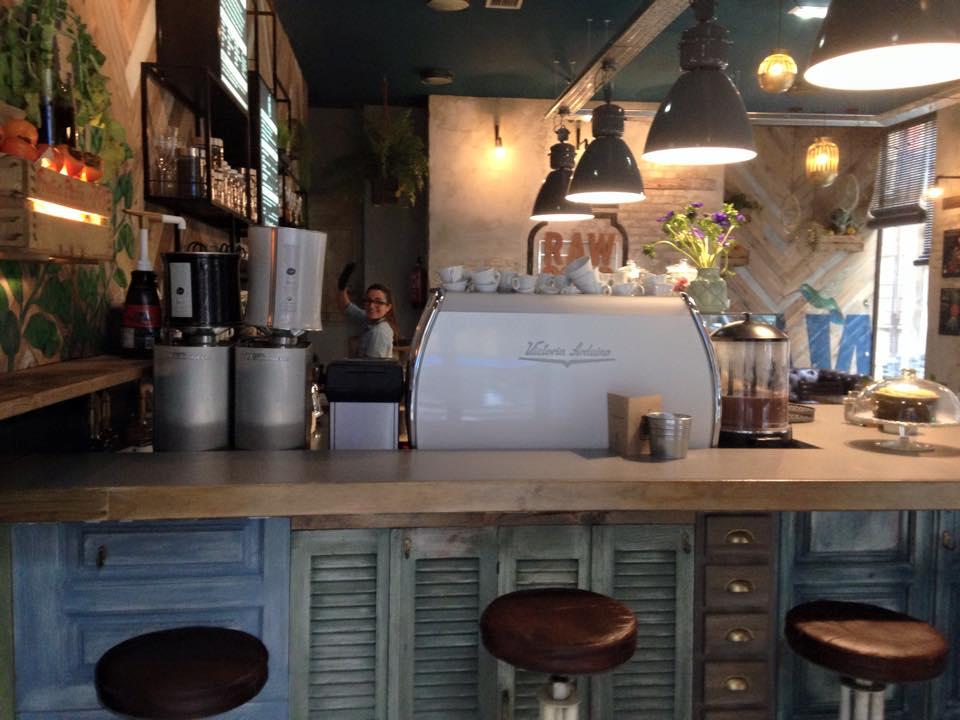 Raw Coco de Gijón. Es un local especializado en zumos y smoothies del que he oído hablar un montón.
