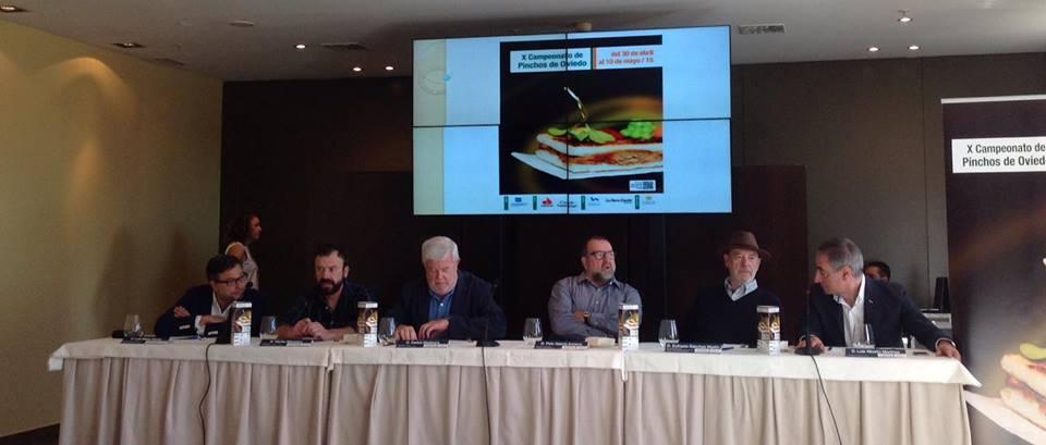 críticos Carlos Maribona, Peio Garcia Amiano, Eufrasio Sanchez y nuestros cocineros Luis Alberto Martinez Abascal y Nacho Manzano.